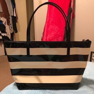 Kate Spade beautiful cream and black purse